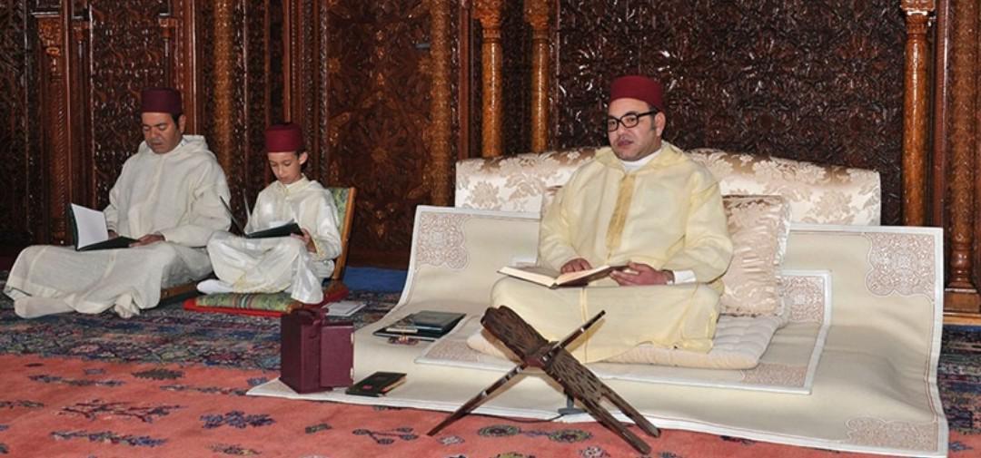 أمير المؤمنين يترأس حفلا دينيا إحياء للذكرى العشرين لوفاة جلالة المغفور له الملك الحسن الثاني