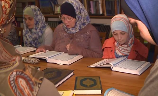 رمضان في سان بطرسبورغ الروسية.. أجواء روحانية مفعمة بالإيمان والخشوع و التآزر