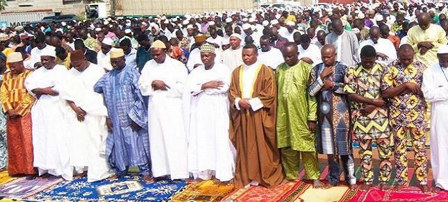 صلاة التراويح لحظات خشوع وتأمل يومية تجمع بين مسلمي الغابون