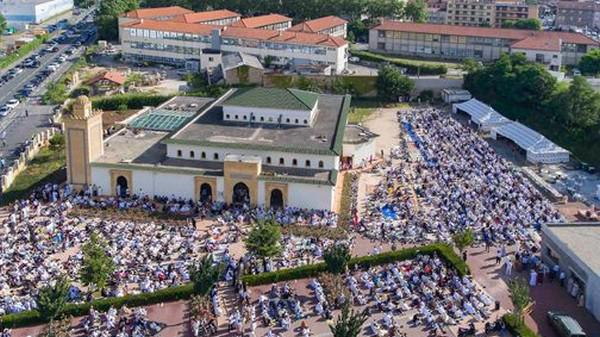 المسجد الكبير محمد السادس رمز للعيش المشترك في سانت إتيان