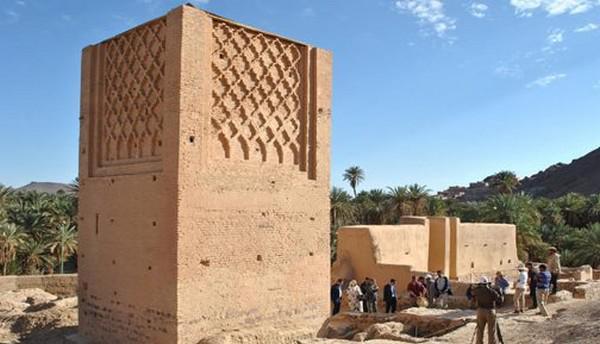 """إقليم طاطا.. صومعة """"للا بيت الله"""" تراث معماري شاهد على عراقة الجنوب الشرقي للمملكة"""