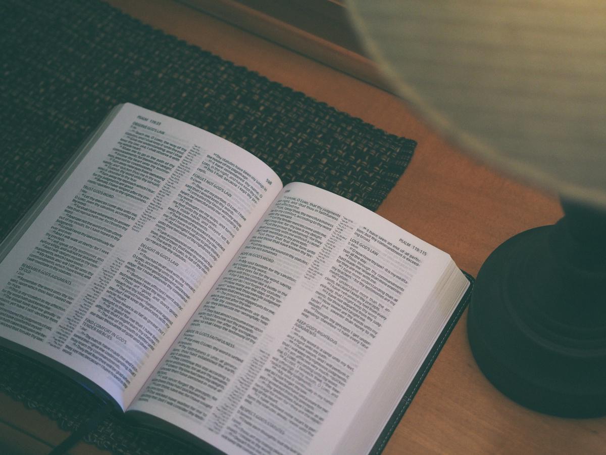 La Bible résumée en 1 phrase : (Ancien Testament)