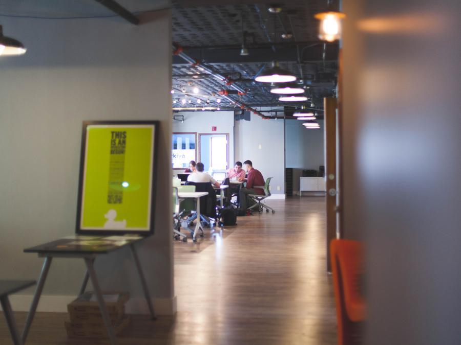 Comment utiliser la publicité pour mettre en avant votre agence ? - Guide pour les agences