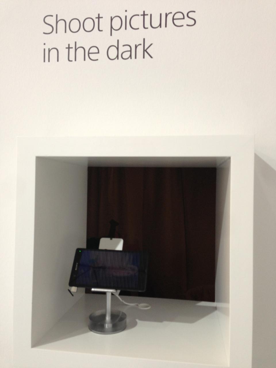 Résultat époustouflant de l'appareil photo du Xperia dans le noir. Pratiquement aucun bruit