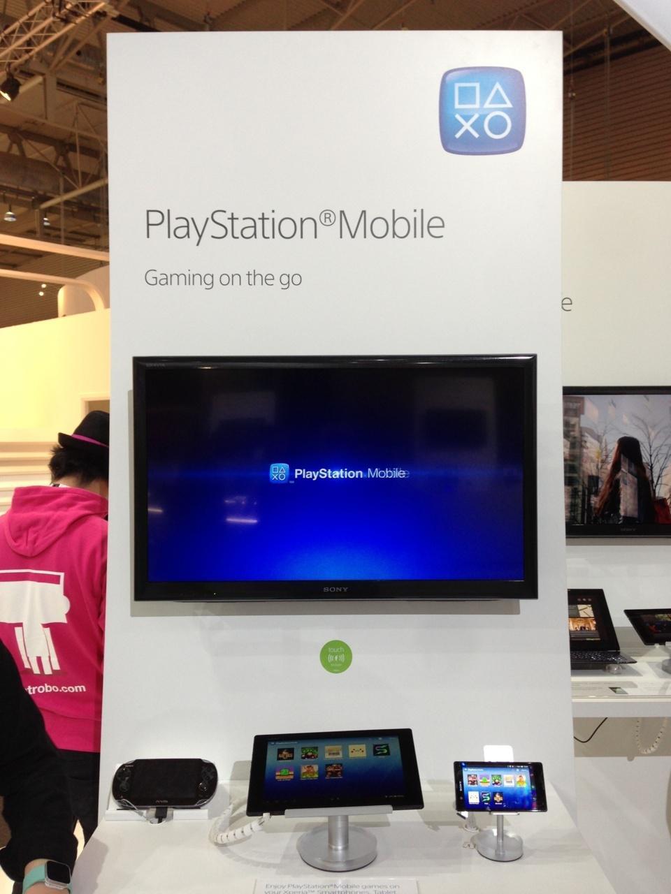 Enfin, je demande ou est exposée la PS4.