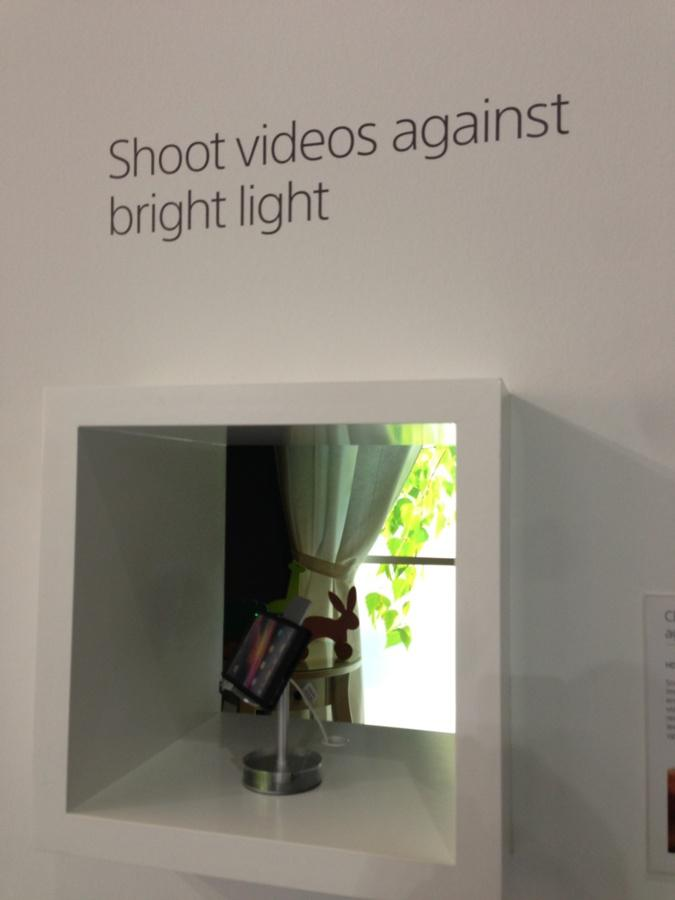 Really good result too on backlighting with the HDR technology of the video camera.