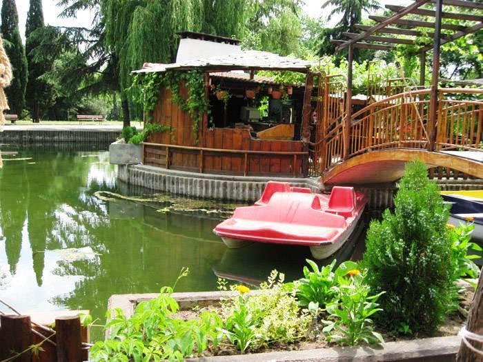 Хотел Езерото***