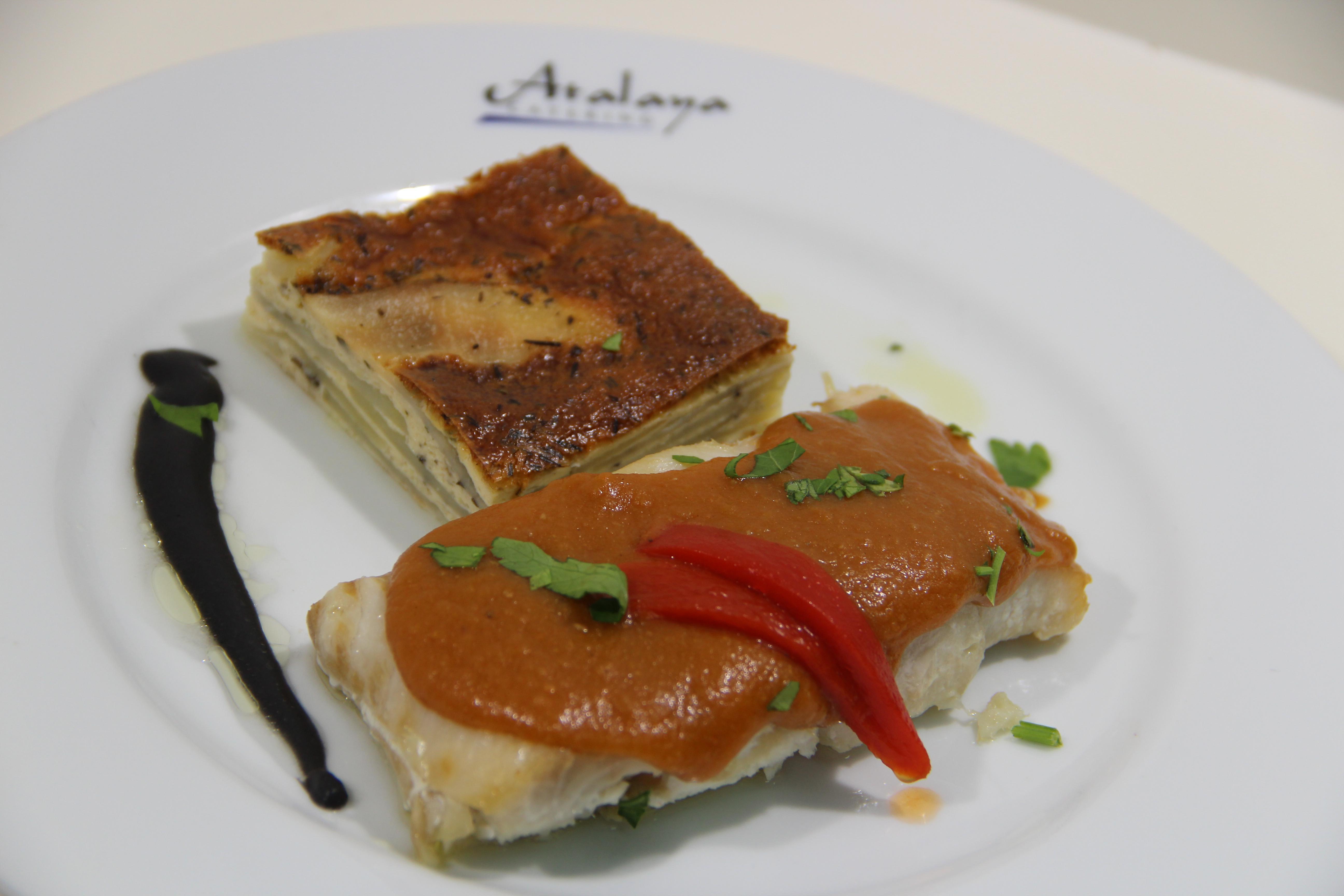 Suprema de Corvina con Graten de Patata y Crema de Marisco y Aceite de Albahaca