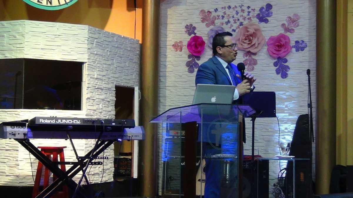 Pastor Carlos Schmitt - Segunda reunión general de la familia