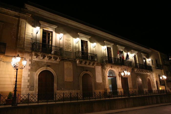 Palazzo Municipale in notturna