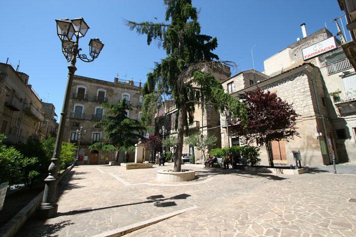 Piazza Francesco Lanza