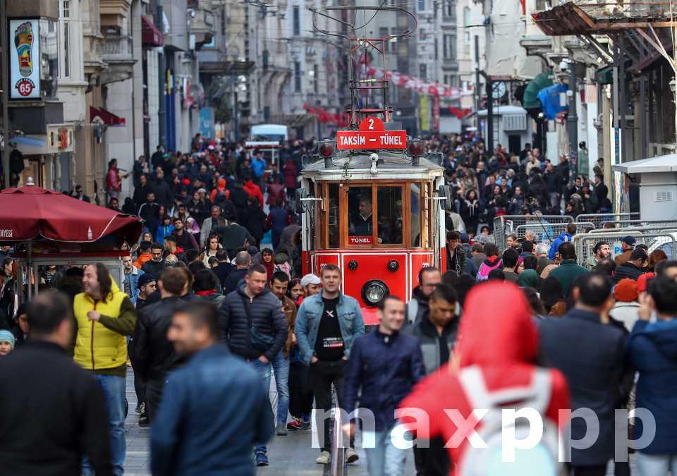La livre turque toujours en difficulté