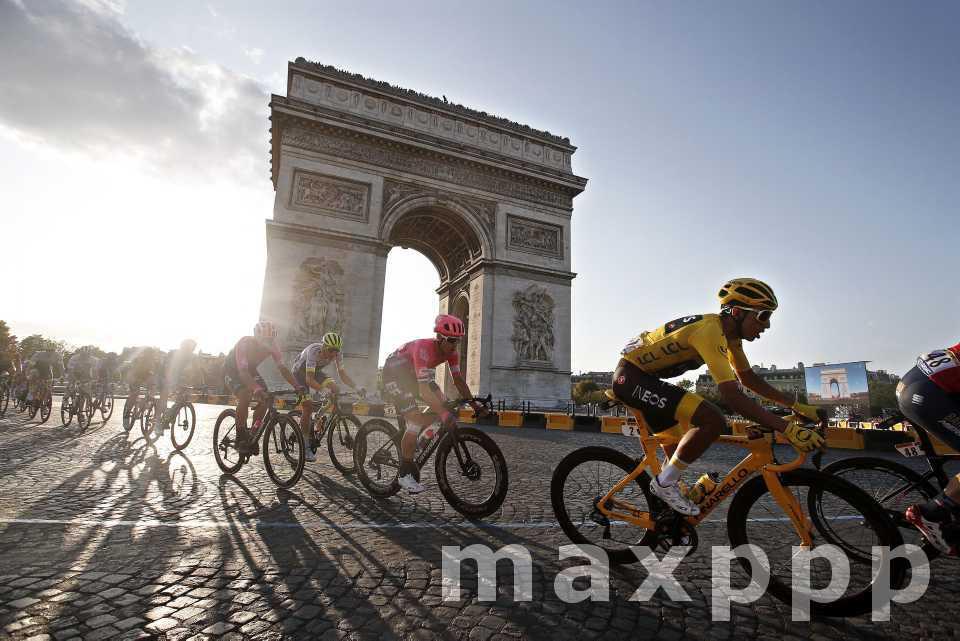 Le Tour de France sur les Champs