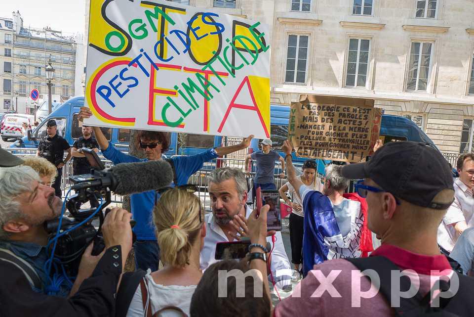 Loi CETA : les agriculteurs répliquent