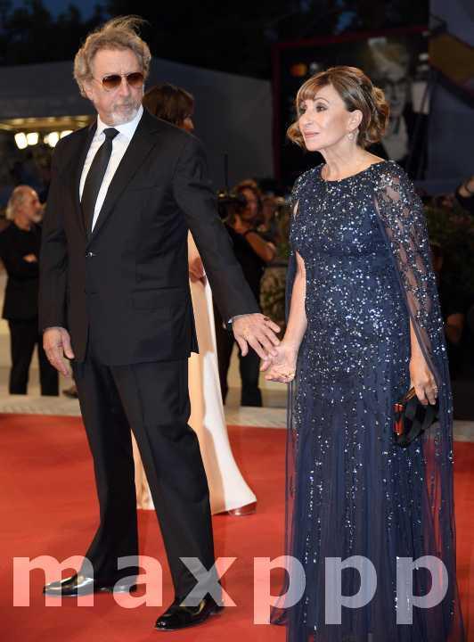 Venise : Ariane Ascaride dédie son prix aux migrants