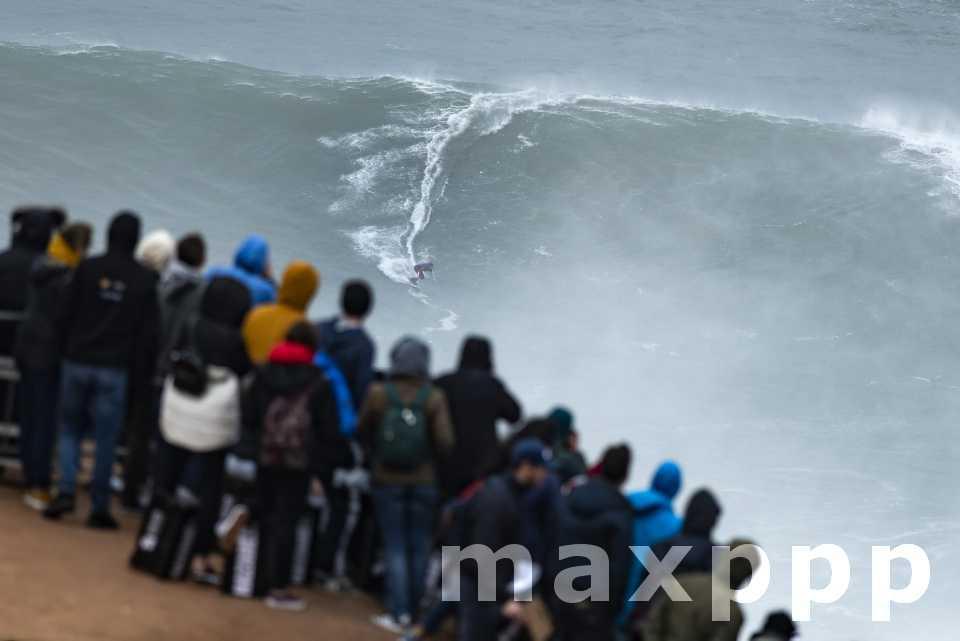 Nazaré Tow Surfing Challenge