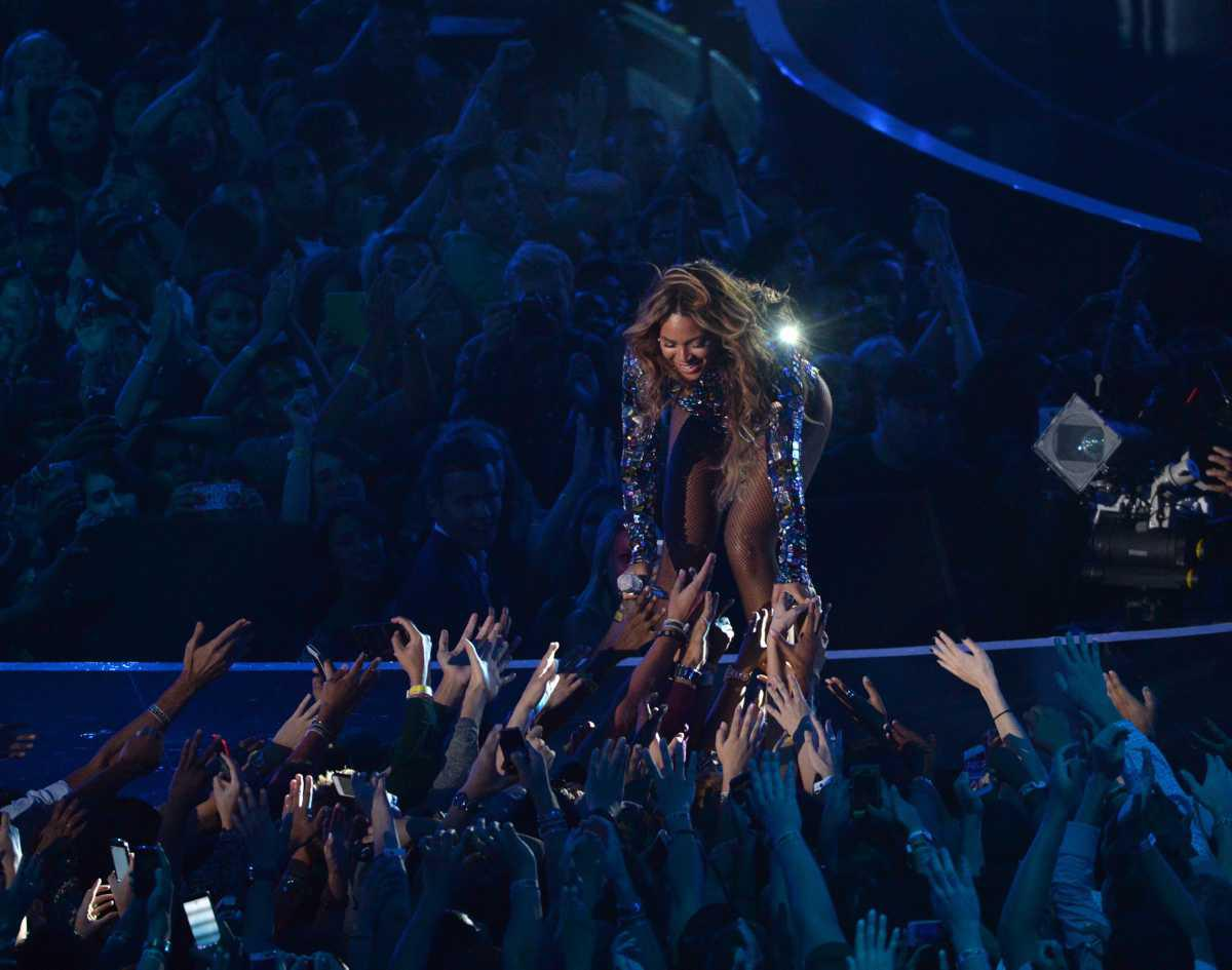 Sorties Albums 2021 : Rihanna, Adele, Sia ...