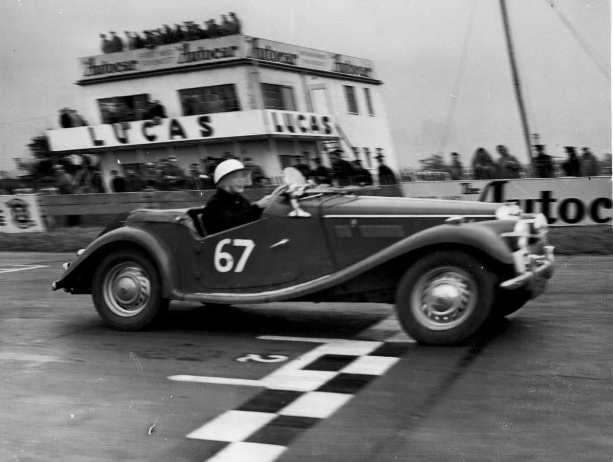 [RETROphotos] Sport Automobile - Les fous du volant !