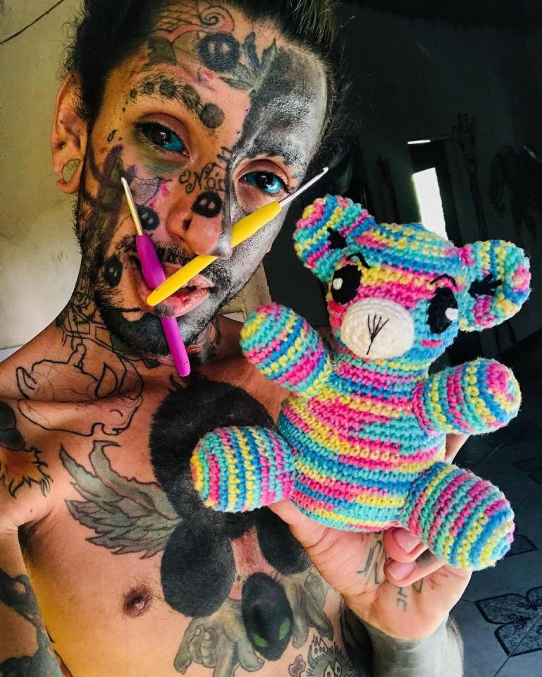 [Focus] - Tatouages, modifications corporelles et... tricot !