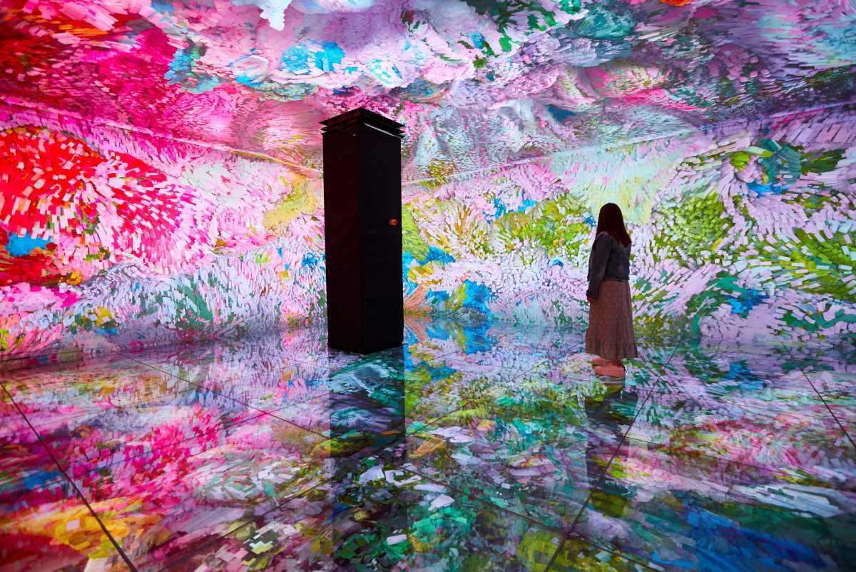 """[Focus] - """"10D experience"""" : l'Exposition immersive de Gaudí à Barcelone"""