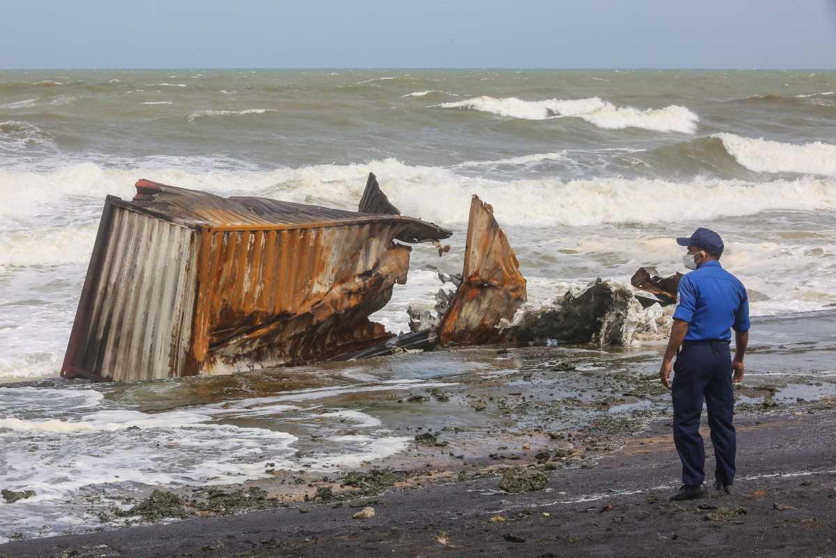 [Focus] - Sri Lanka : Explosion à bord de porte-conteneurs XPress Pearl