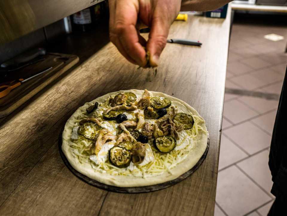 [Focus] - Insolite : la pizza au cannabis (légal) déchire tout en France !