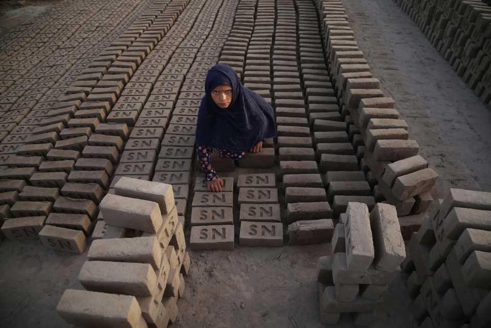 [Focus] - Les enfants afghans, victimes d'une guerre sans fin