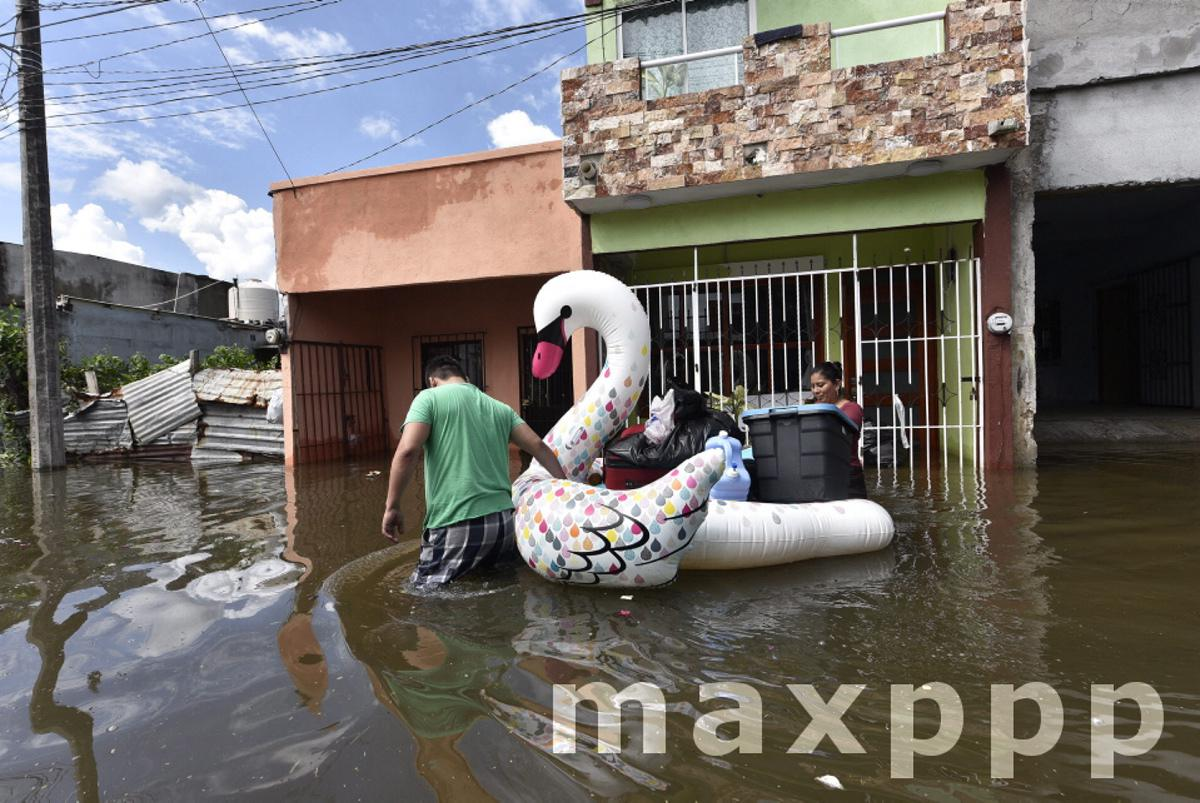 Tropical storm Gamma in Mexico
