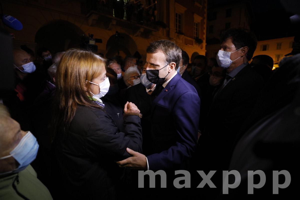 Tempête Alex : Emmanuel Macron dans les Vallées dévastées