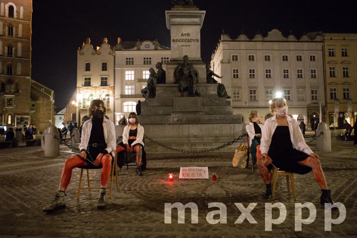 En Pologne, manifestations apres le durcissement de la loi sur l'avortement