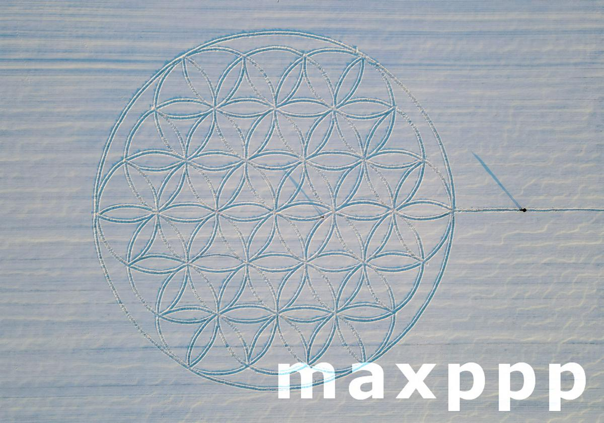 The flower of life as a sign in the snow