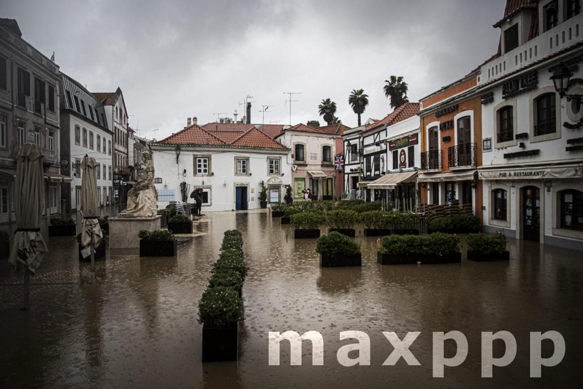 Karine depression causes flooding in downtown Cascais