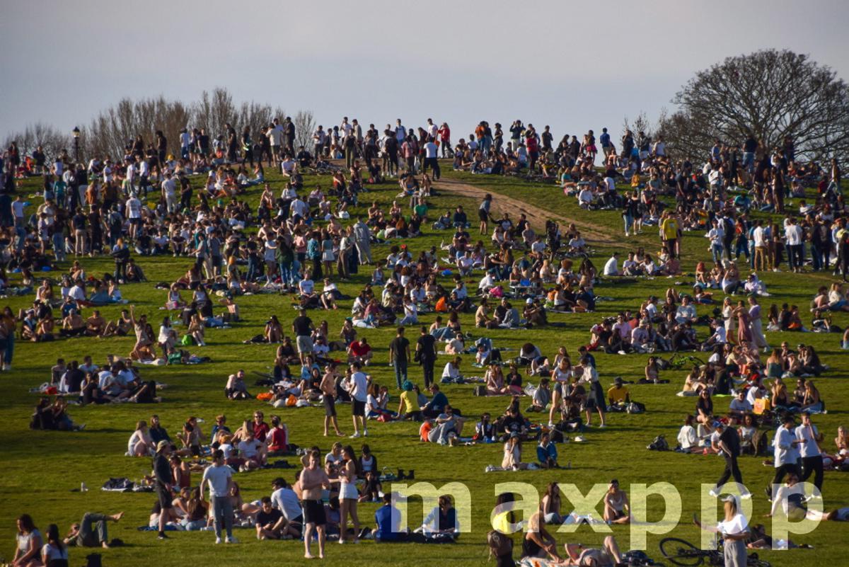 Heatwave in London, UK - 30 Mar 2021