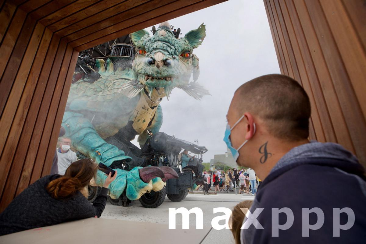 Sixième spectacle pour l'inauguration du front de mer de Calais