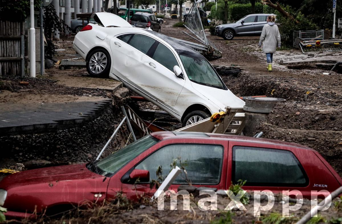 Thunderstorms with heavy rain flooded parts of western Germany