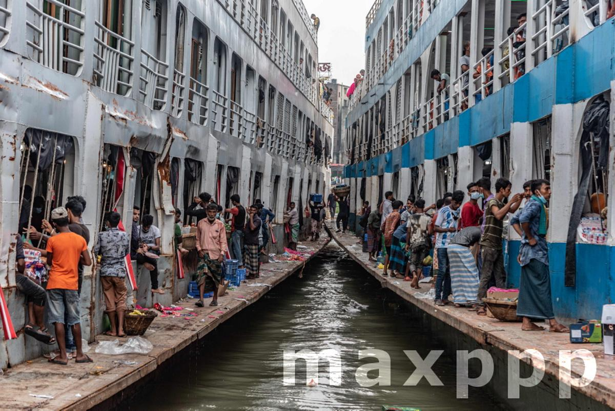 Bangladesh: Risky journey during Eid