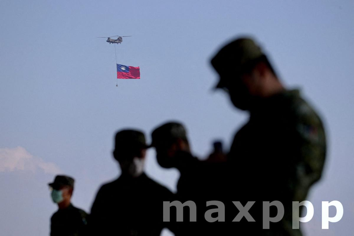 Taiwan flag flyby rehearsal ahead National Day
