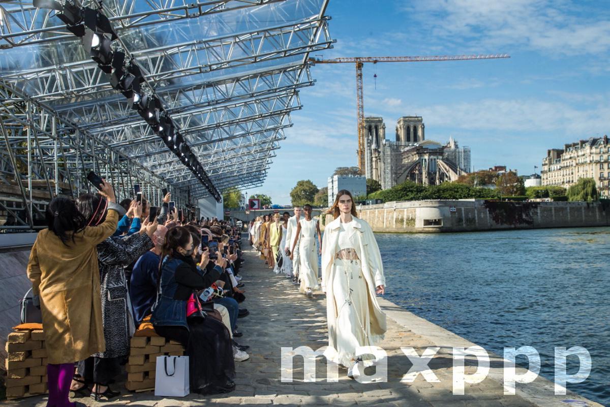 Chloe - Runway - Paris Fashion Week Ready to Wear S/S 2022