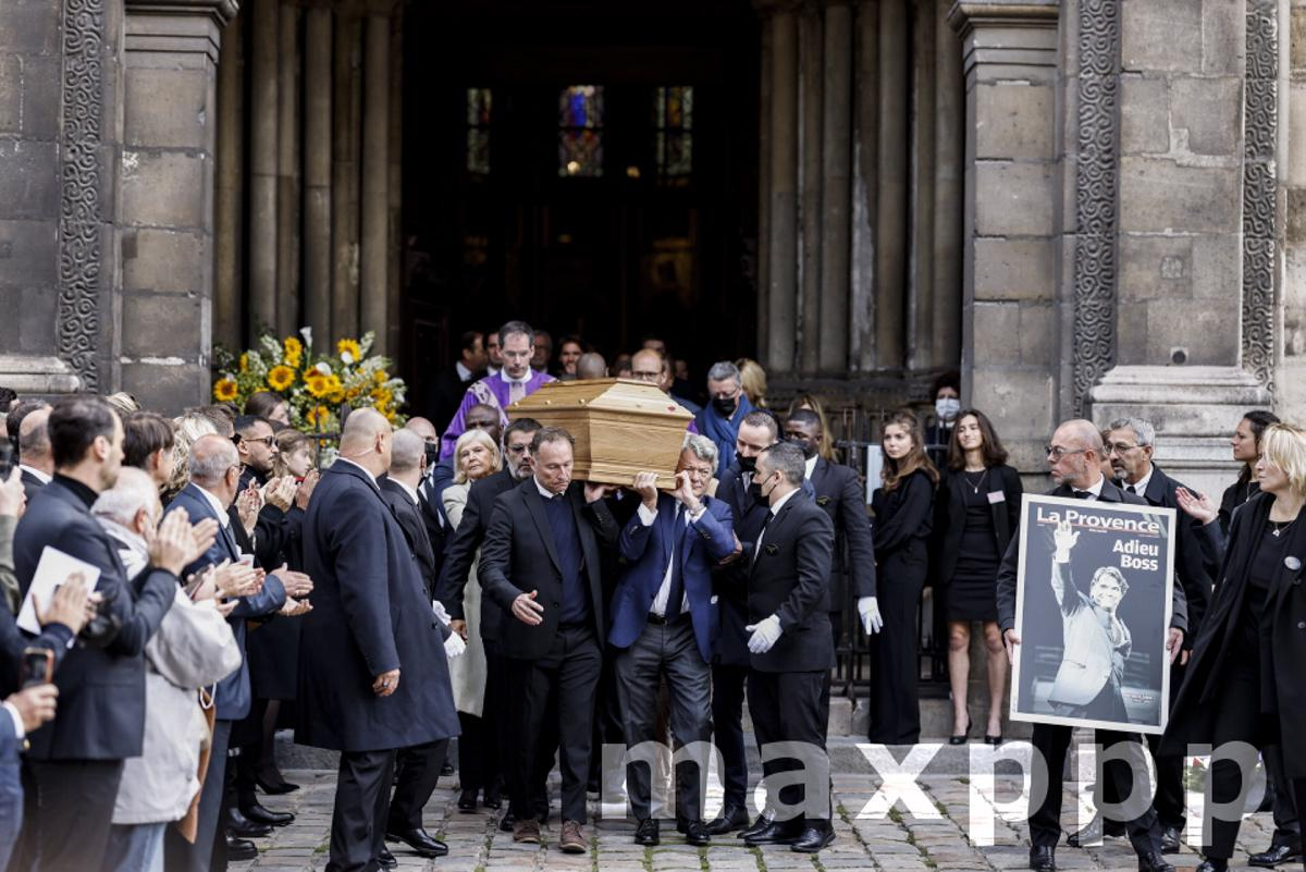 Mort de Bernard TAPIE • Messe organisée en son hommage à Paris