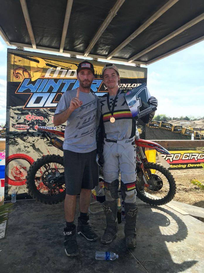 Enzo Lopes e Marcello Leodorico são campeões no Supercross do Mini Os 2017