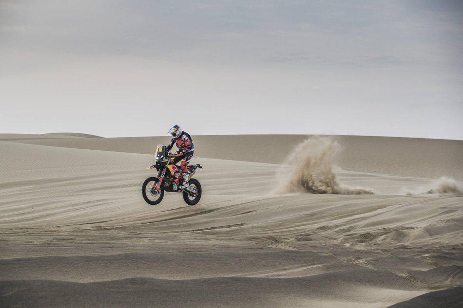 Rally Dakar 2018: O piloto britânico da KTM agora lidera um segundo lugar sobre Kevin Benavides por três minutos.
