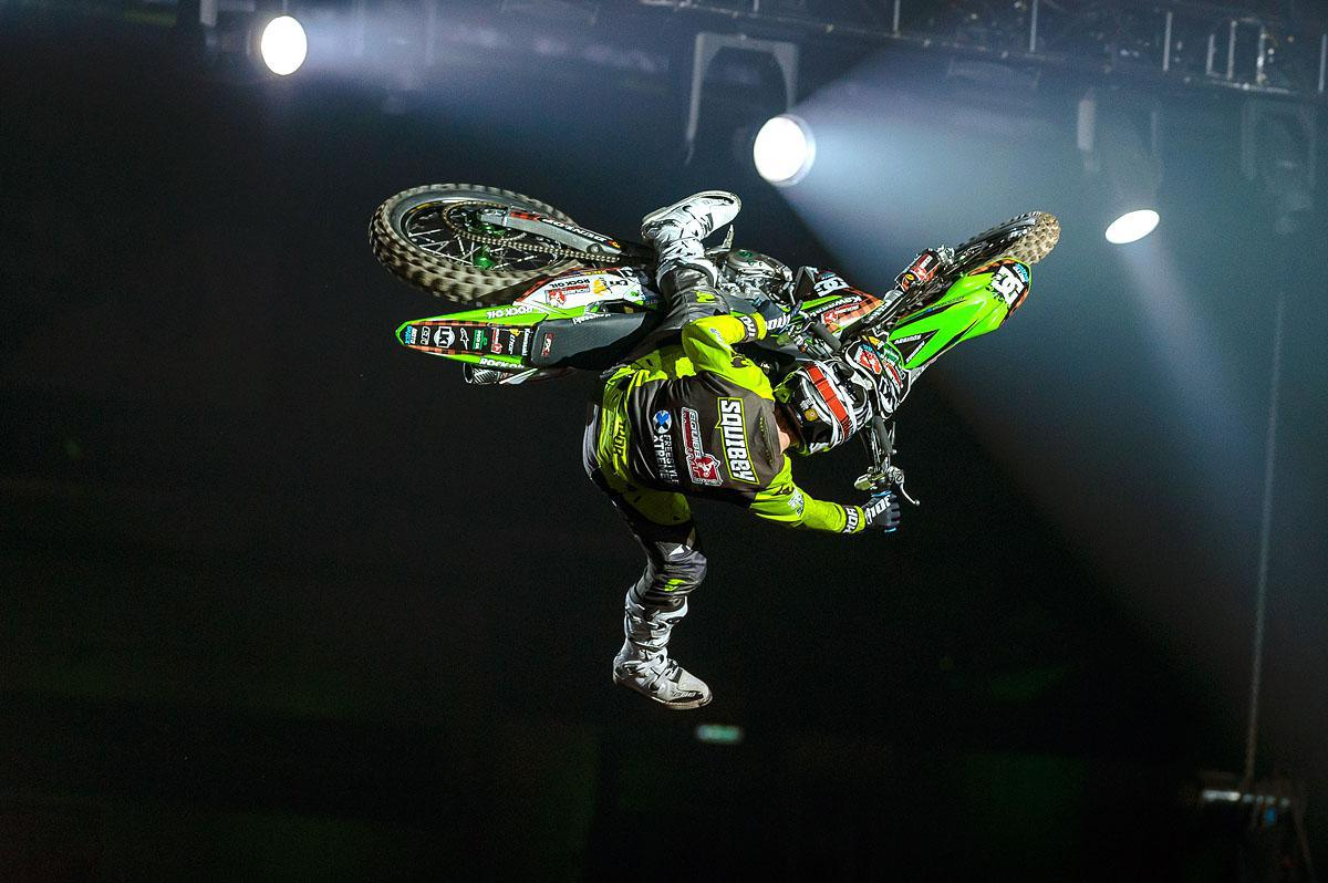 Arenacross Tour faz retorno triunfal a na inglaterra.