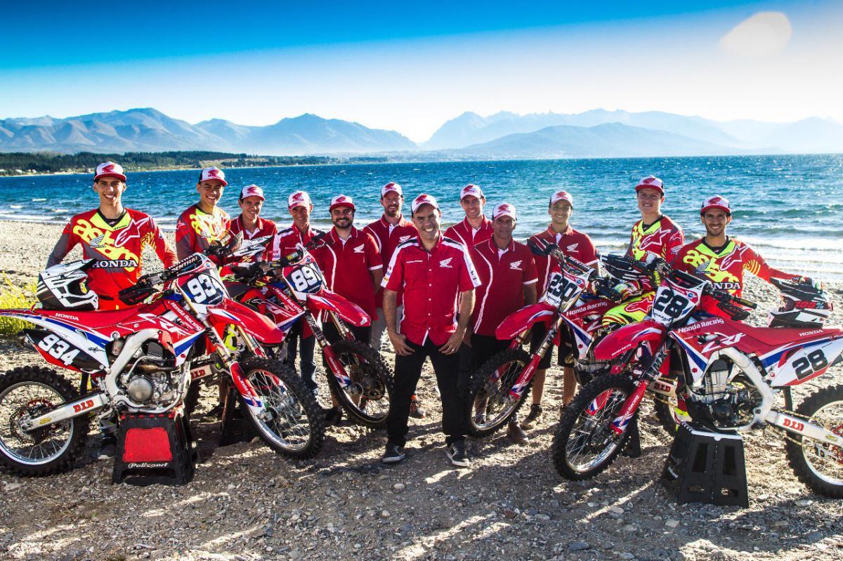 A equipe de motocross oficial Honda Racing Brasil está na Argentina, onde será realizada a primeira etapa do Mundial da categoria, neste fim de semana.