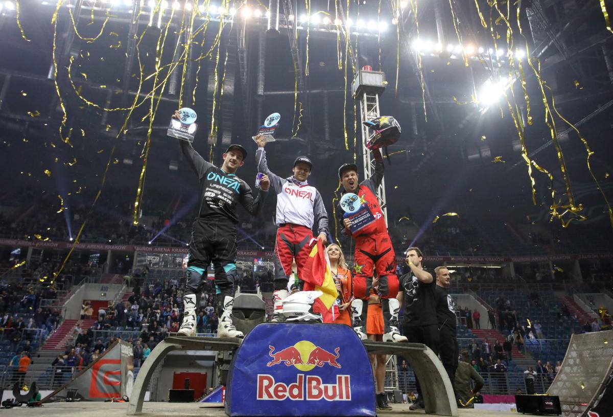 NIGHT OF THE JUMPS -Melero vence o dia em Cracóvia - Ackermann continua à frente na World Championship