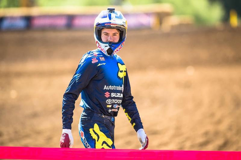 Confira abaixo os bastidores da estreia de Enzo Lopes no AMA Motocross 2018.