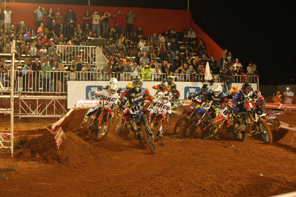Em noite grandiosa, Arena Cross Botucatu acaba com vitória de Jean Ramos