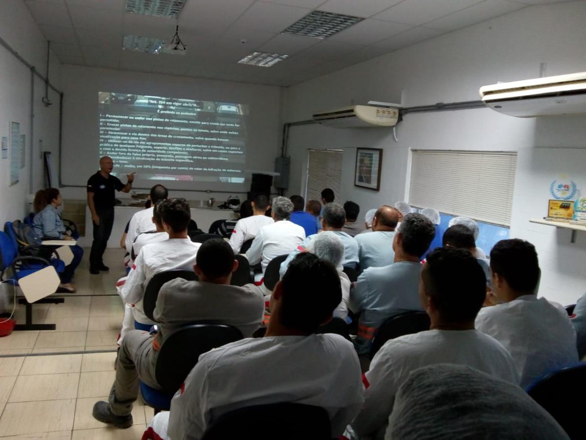 Palestra TRÂNSITO É VIDA dá início as ações do Programa de Ações Técnico Educacionais - PATE da CBM.