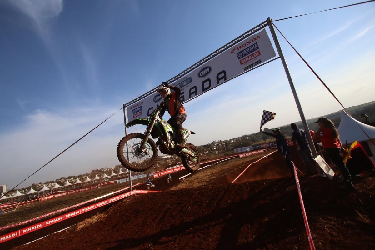 Confira os resultados do primeiro dia da 5ª etapa do BRMX em Faxinal