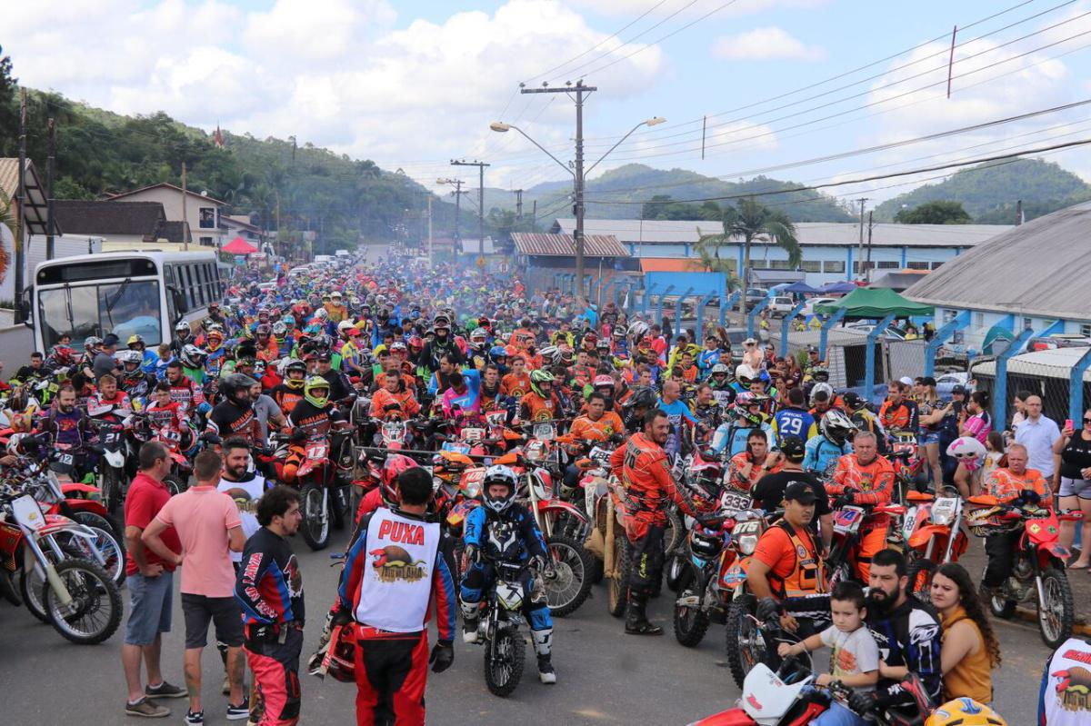 15º Pro Tork Tatu na Lama reúne 2.447 trilheiros em Massaranduba (SC)