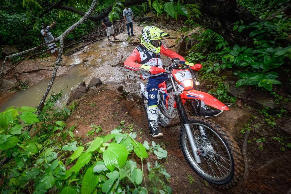 Rally Cerapió 2020 tem pisos variados para motos no primeiro dia